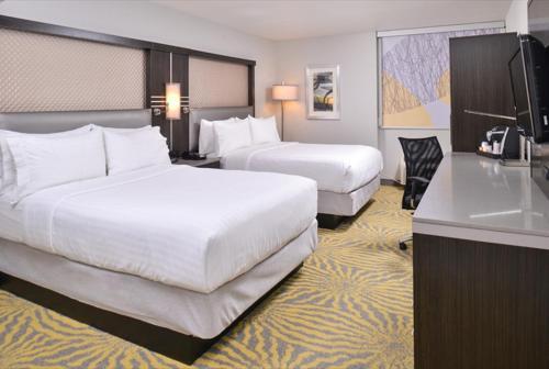 Holiday Inn Richardson Photo