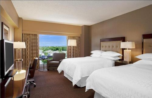 Sheraton Indianapolis Hotel At Keystone Crossing - Indianapolis, IN 46240