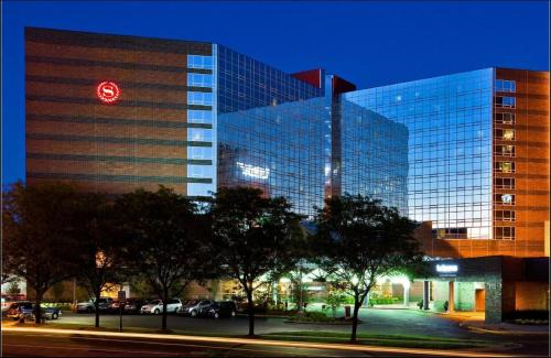 Sheraton Indianapolis Hotel at Keystone Crossing photo 9