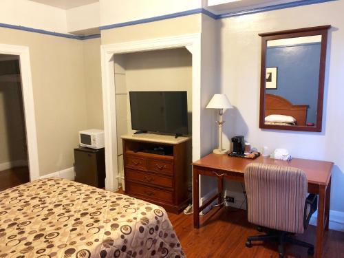 Admiral Hotel photo 27