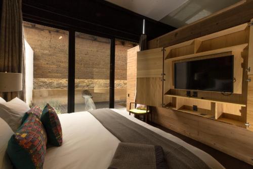 Uvence Arte + Hotel Photo