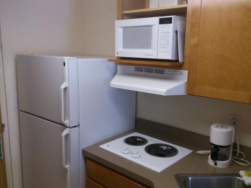 University Inn - Minneapolis, MN 55414