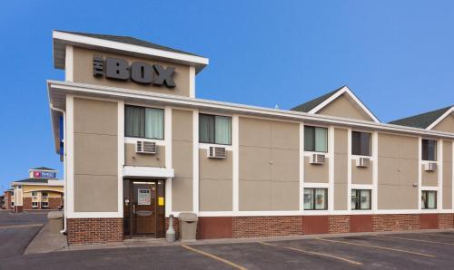 Fargo Inn And Suites - Fargo, ND 58103