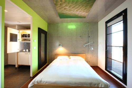 olivarius apart hotel lille villeneuve dascq villeneuve d 39 ascq nord pas de calais northern. Black Bedroom Furniture Sets. Home Design Ideas
