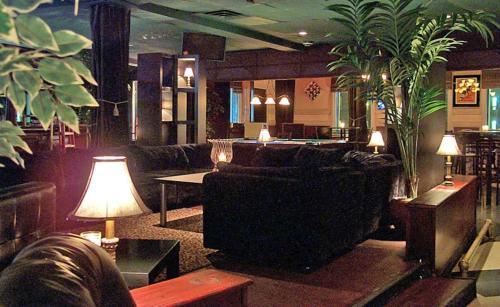 Ambassador Hotel - Sudbury, ON P3A 5K4