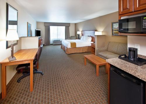 Holiday Inn Express & Suites Sioux Falls Southwest - Sioux Falls, SD 57108