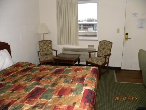 Guest Inn Rogers Photo