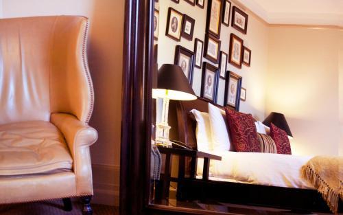 Hotel Wales Photo