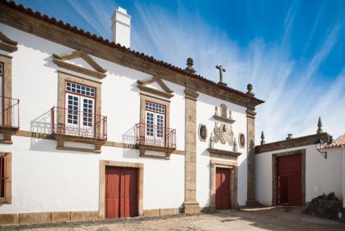 Rua Cabo de Vila 18, Provesende, 5060-251 Sabrosa, Douro, Portugal.