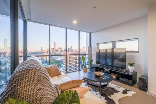 Penthouse with Panoramic View in the Milton