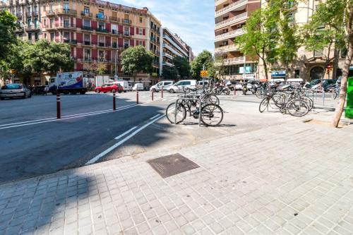 Amazing 2bed/2bath close to Sagrada Familia photo 3
