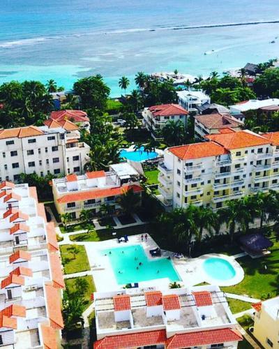 Www Rentalhomes Com: Residencial Las Palmeras De Willy, Boca Chica