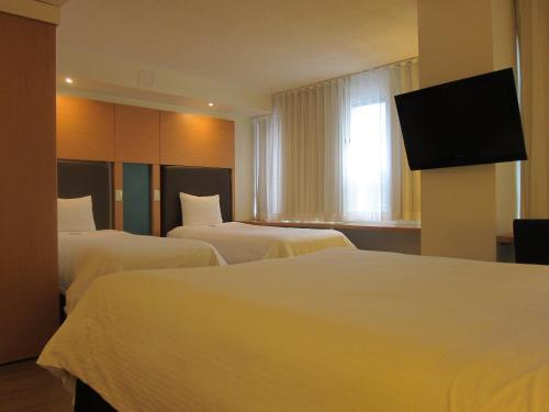 Bond Place Hotel - Toronto, ON M5B 2G8