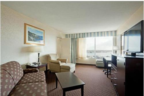 Holiday Inn Portland By The Bay - Portland, ME 4101
