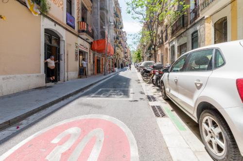 Fantastic 2 bed in the heart of Poble Sec photo 2