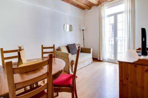 Fantastic 2 bed in the heart of Poble Sec photo 8
