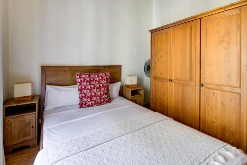 Fantastic 2 bed in the heart of Poble Sec photo 13