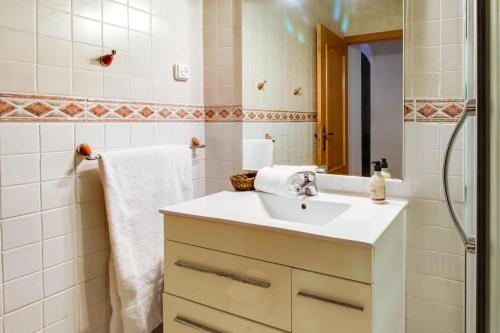 Fantastic 2 bed in the heart of Poble Sec photo 16