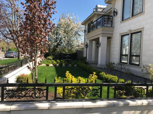 Pat's Houses - Richmond, BC V7C 3Z5