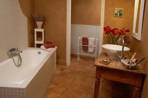 Suite Hotel la Plaça Madremanya 22