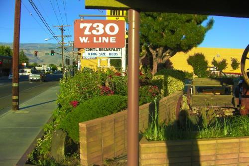 Mountain View Motel Photo