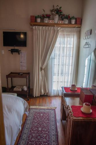 Mirabel Guesthouse Photo