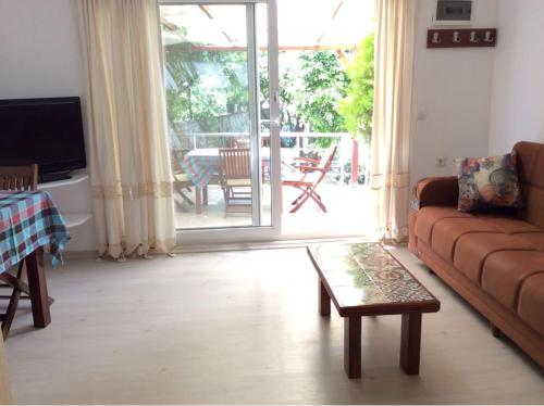 Bodrum City Bitez Lovely Small House with a Balcony And Garden odalar