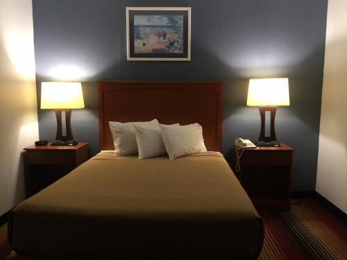 Great Lakes Inn - Spirit Lake, IA 51360