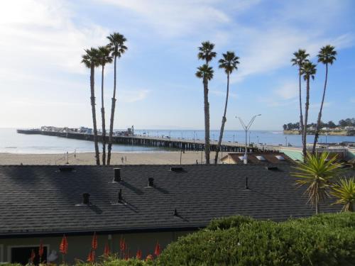Beach Street Inn and Suites Photo