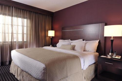 Embassy Suites Hotel Des Moines-on The River - Des Moines, IA 50309