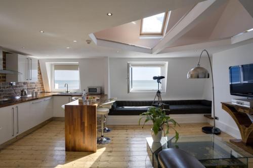 9 Eversfield Place, St Leonards-on-Sea TN37, England.