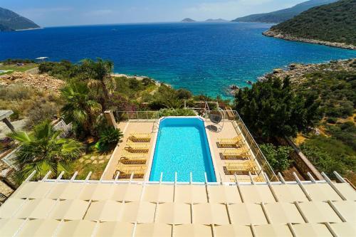 Kalkan Dream Land Villa - 4+1 Özel Plajlı Kiralık Villa