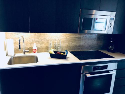 Emerald Suites Toronto Photo