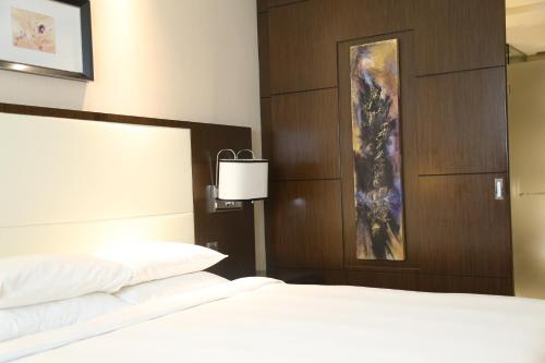 Courtyard By Marriott Shanghai Xujiahui photo 29