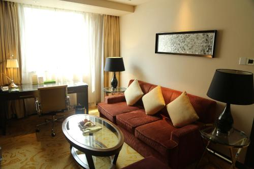 Courtyard By Marriott Shanghai Xujiahui photo 30