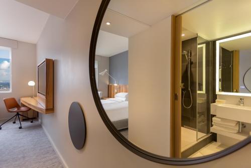 Hyatt Regency Paris Etoile photo 61