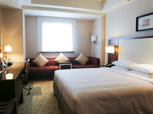 Courtyard By Marriott Shanghai Xujiahui photo 34