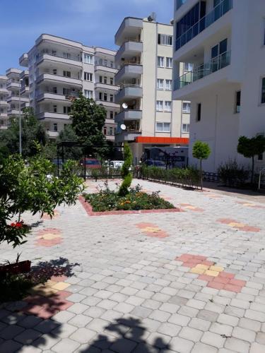 Alanya Mahmutlarda havuzlu eşyalı günlük kiralık daire odalar