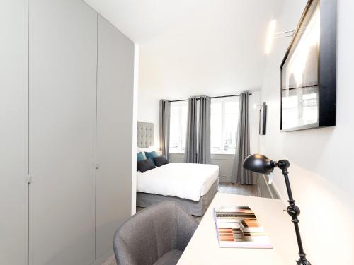 Luxury 3 Bedroom Le Marais photo 34