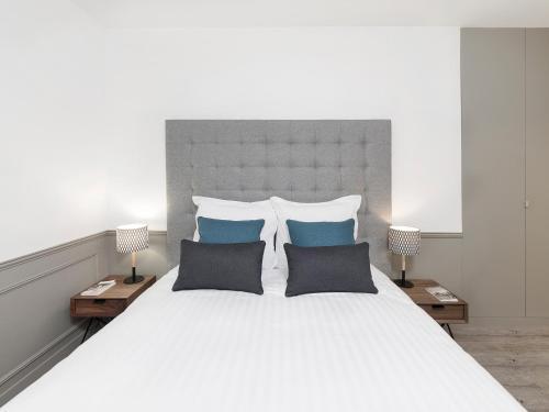 Luxury 3 Bedroom Le Marais photo 38