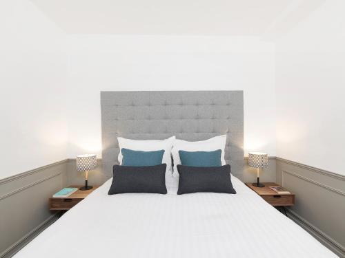 Luxury 3 Bedroom Le Marais photo 40