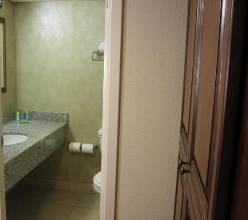 Clarion Hotel photo 18