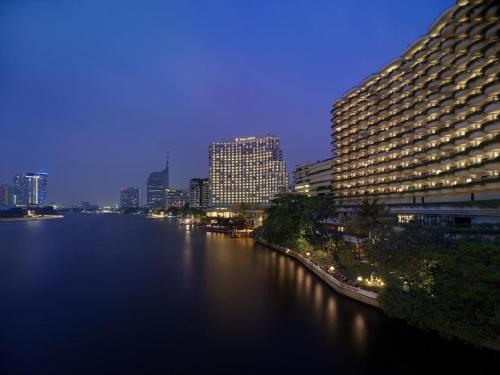 Shangri-La Hotel Bangkok impression