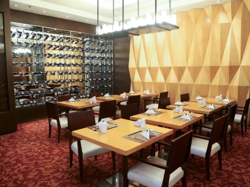 Courtyard By Marriott Shanghai Xujiahui photo 38