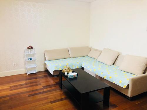 Jinqiao International Apartment photo 62