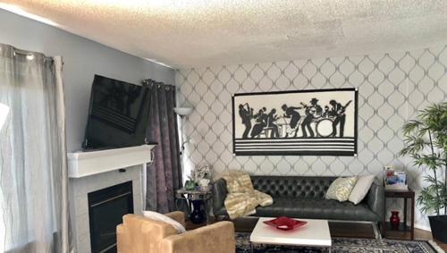 3 Bedroom House in Calgary Photo