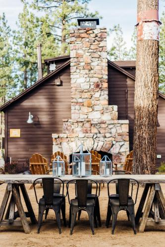 Noon Lodge at Mallard Bay Photo