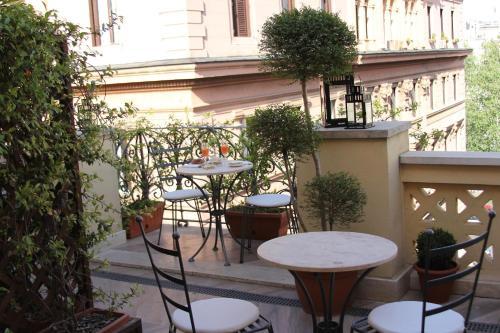Via Pietro Cavallini, 12, 00193 Rome RM, Italy.