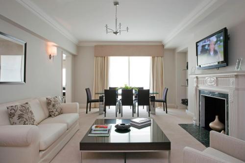 Arlington House Apartments photo 4