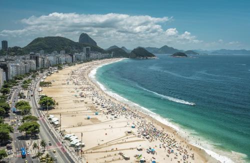 Central Copacabana Lado Metrô Photo